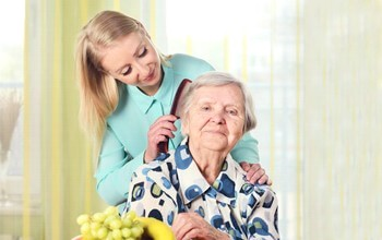 Senior Home Care San Diego Caregiver Grooming Senior Hair